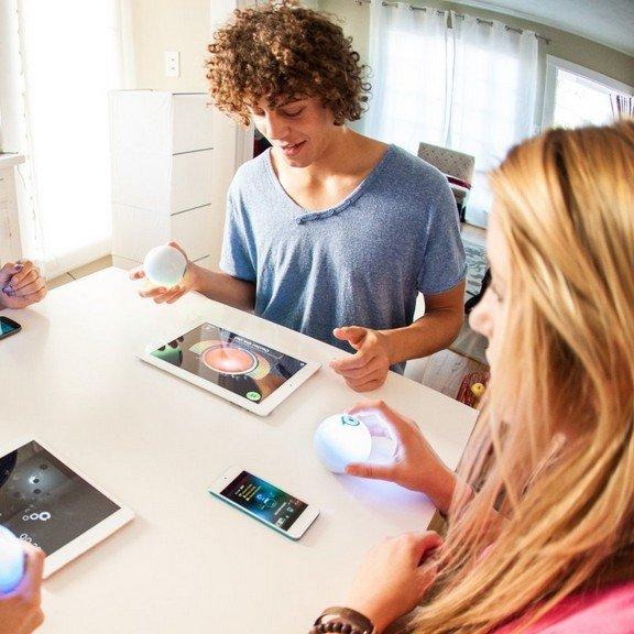 可用Ios/Android设备控制的玩具 Sphero多功能游戏小球 6.5折!