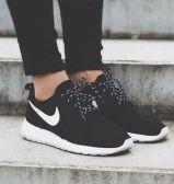 会员2件额外9折!Nike 耐克 Roshe One 女士休闲运动鞋 ¥359.28