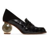 Loewe 黑色鳄鱼皮纹高跟鞋 $938(约6,475元)