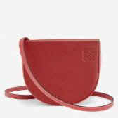 【新年首选】Loewe Heel leather 正红斜挎马鞍包 $4,250(约29,053元)