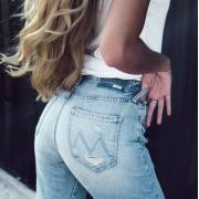 Shopbop最新优惠:精选Levi's、Mother、J Brand等品牌牛仔裤仅6折