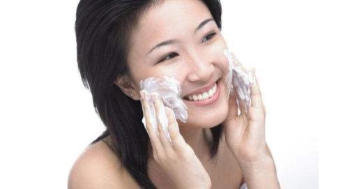 日本资生堂洗面奶好用吗?日本资生堂洗面奶使用方法